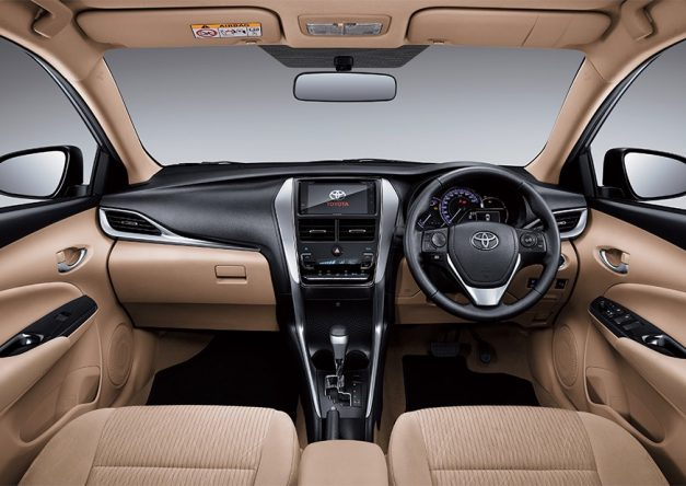 2018-toyota-yaris-sedan-india-dashboard-interior-cabin-inside-pictures-photos-images-snaps-gallery-video