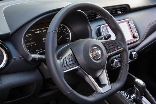 2019-nissan-kicks-interior-dashboard-cabin-inside-india-pictures-photos-images-snaps-gallery