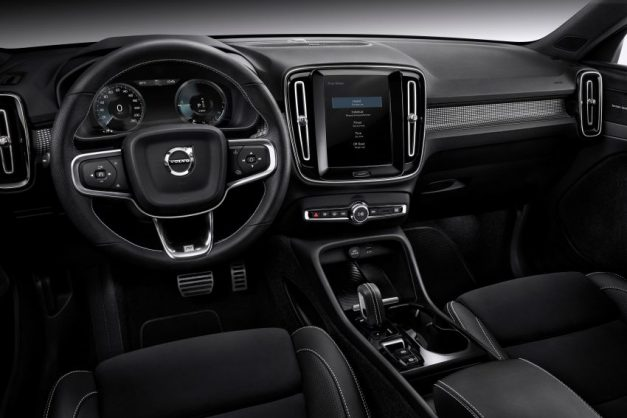 volvo-xc40-dashboard-interior-cabin-inside-india-pictures-photos-images-snaps-gallery