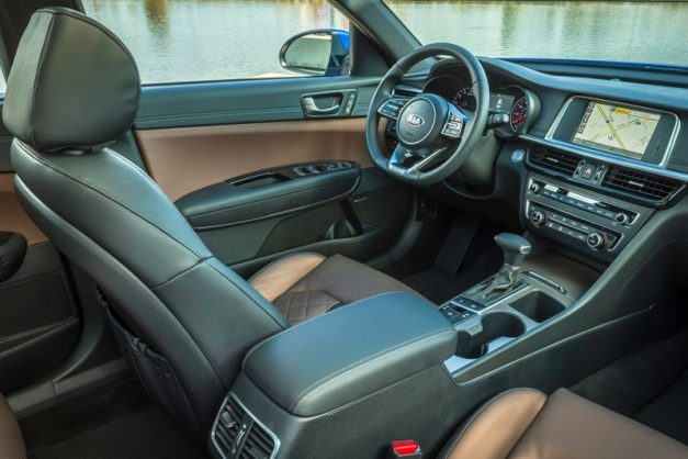 kia-optima-premium-sedan-interior-inisde-dashboard-cabin-india-pictures-photos-images-snaps-gallery