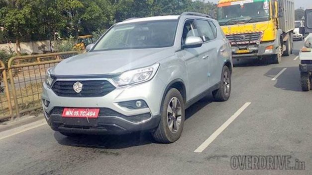 mahindra-xuv700-ssangyong-rexton-suv-front-india-pictures-photos-images-snaps-gallery