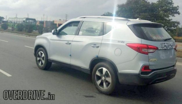 mahindra-xuv700-ssangyong-rexton-suv-side-profile-india-pictures-photos-images-snaps-gallery