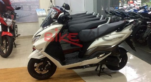suzuki-burgman-street-125-maxi-scooter-side-profile-india-pictures-photos-images-snaps-gallery-001