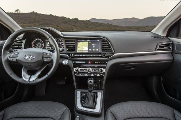 2019-hyundai-elantra-facelift-dashboard-cabin-interior-inside-india-pictures-photos-images-snaps-gallery