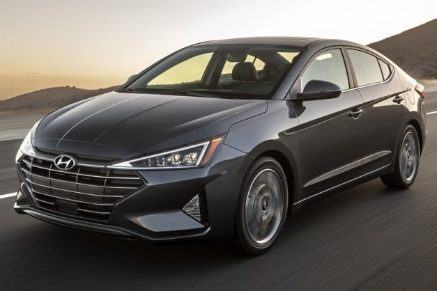 2019-hyundai-elantra-facelift-front-side-india-pictures-photos-images-snaps-gallery