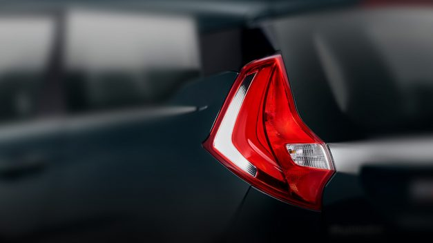mahindra-marazzo-mpv-tail-lights-india-pictures-photos-images-snaps-gallery