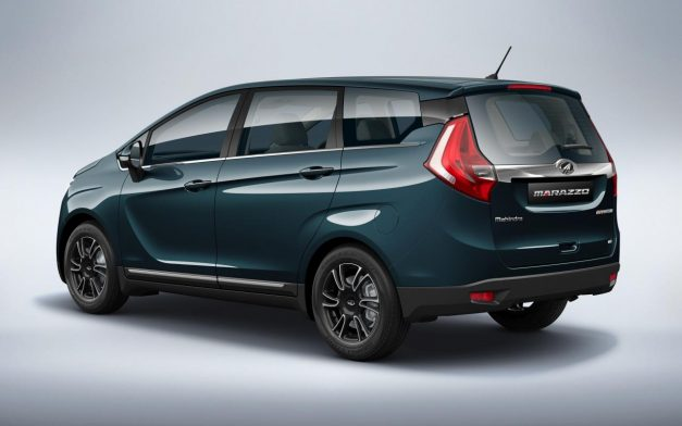 2018-mahindra-marazzo-mpv-rear-back-india-pictures-photos-images-snaps-gallery