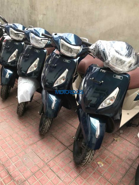 2018-tvs-jupiter-grande-edition-bluish-green-new-color-pictures-photos-images-snaps-gallery