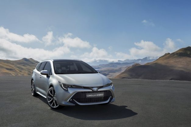 2019-toyota-corolla-touring-india-pictures-photos-images-snaps-gallery