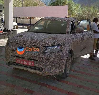 mahindra-s201-xuv300-spied-front-side-india-pictures-photos-images-snaps-gallery