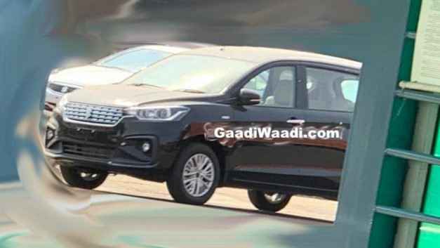 2018-maruti-suzuki-ertiga-front-side-india-pictures-photos-images-snaps-gallery