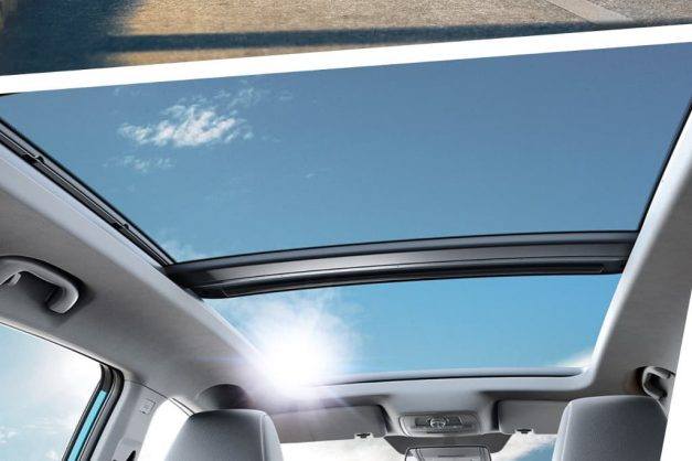 mg-ezs-pure-electric-suv-cabin-panaromic-sunroof-india-pictures-photos-images-snaps-gallery