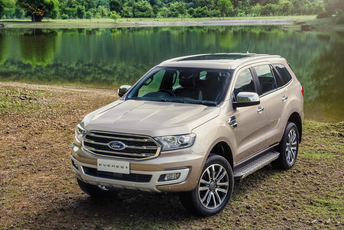 spied  ford endeavour facelift     indian spec suv