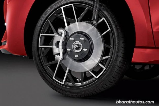 2019-hyundai-elantra-sport-alloy-wheels-india-pictures-photos-images-snaps-gallery