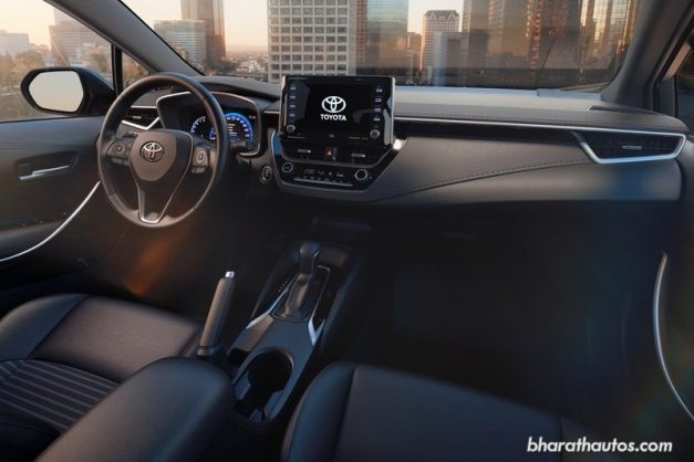 2020-toyota-corolla-altis-sedan-dashboard-interior=india-pictures-photos-images-snaps-gallery