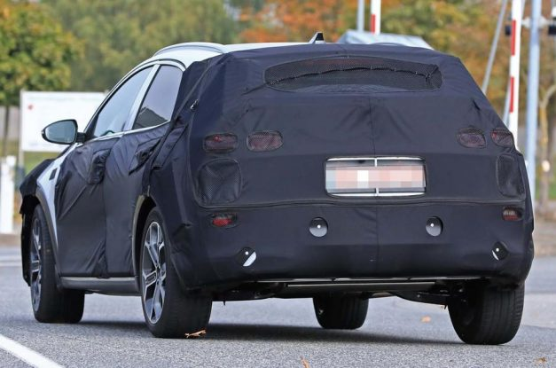 kia-ceed-based-crossover-suv-back-pictures-photos-images-snaps-gallery