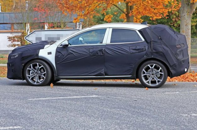 kia-ceed-based-crossover-suv-side-profile-pictures-photos-images-snaps-gallery