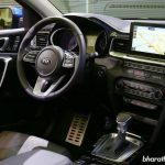 kia-ceed-premium-hatchback-dashboard-cabin-pictures-photos-images-snaps-gallery
