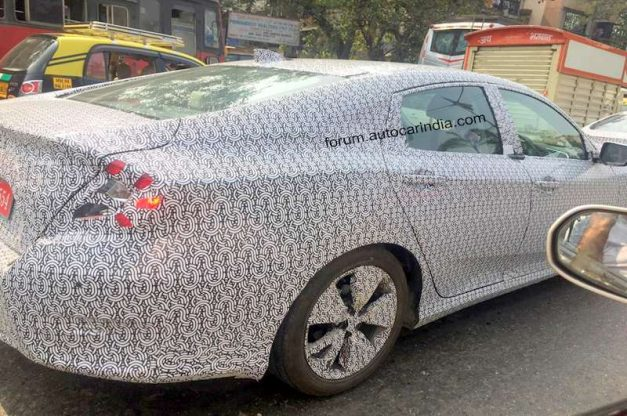 new-2019-honda-civic-spied-india-rear-back-pictures-photos-images-snaps-gallery