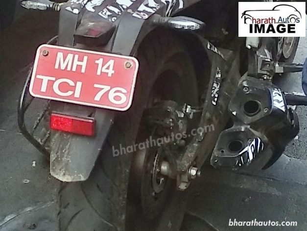 2019-bajaj-dominar-400-abs-bs-vi-compliant-india-dual-catalytic-exhaust-system-pictures-photos-images-snaps-gallery