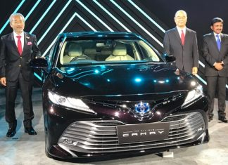2019-toyota-camry-hybrid-launched-details-pictures-specs-price