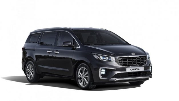 kia-grand-carnival-mpv-india-front-side-pictures-photos-images-snaps-gallery