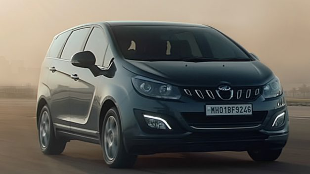 new-mahindra-marazzo-8-seater-top-spec-front-pictures-photos-images-snaps-gallery