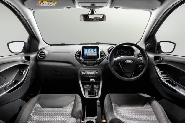 2019-ford-figo-hatchback-facelift-india-dashboard-interior-cabin-inside-pictures-photos-images-snaps-gallery