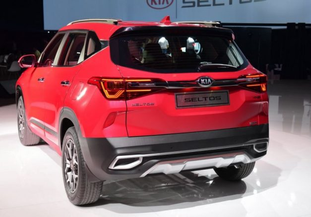 2020-kia-seltos-red-back-rear-india-pictures-photos-images-snaps-gallery