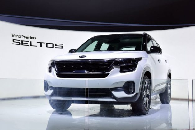 2020-kia-seltos-white-front-fascia-india-pictures-photos-images-snaps-gallery