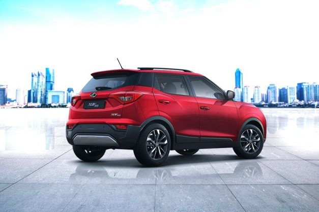 mahindra-xuv300-new-petrol-turbo-engine-di-technology-bs-6-back-rear