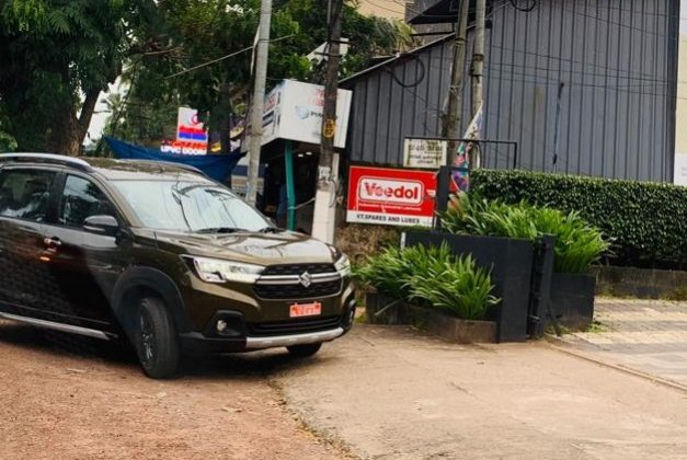 maruti-xl6-metallic-brown-bronze-india-front-pictures-photos-images-snaps-gallery