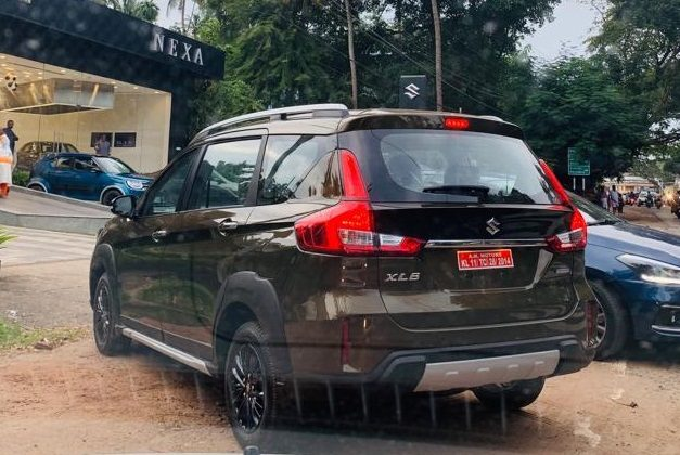 maruti-xl6-metallic-brown-bronze-india-rear-pictures-photos-images-snaps-gallery