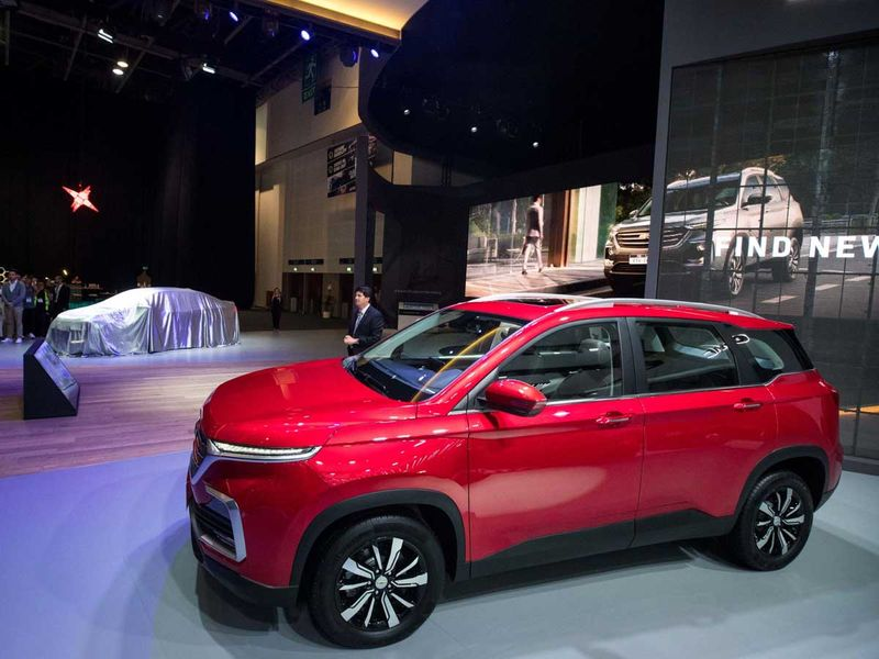 2020-chevrolet-captiva-dubai-motor-show-pictures-photos-images-snaps-gallery