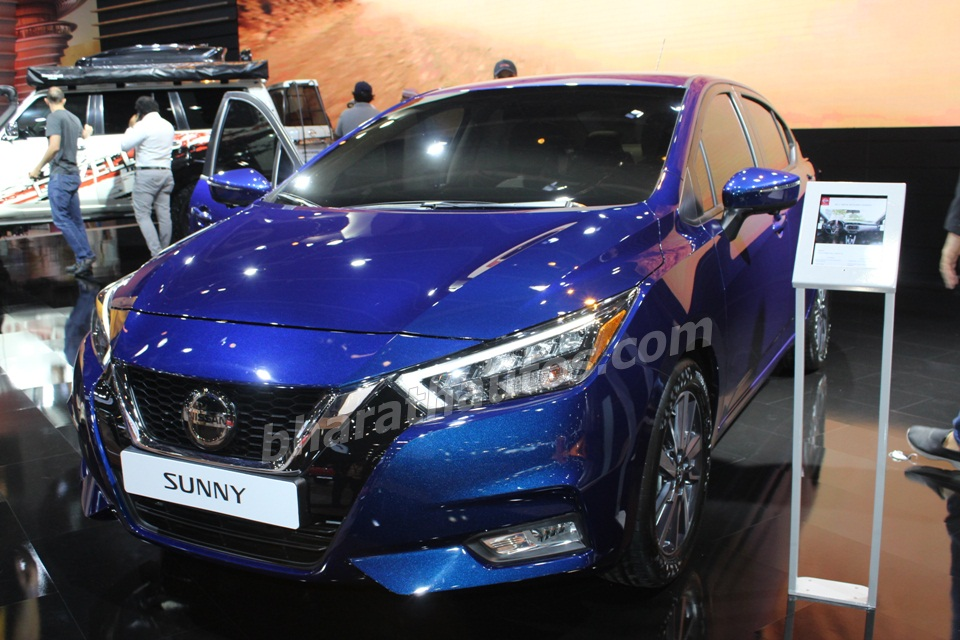 2020-nissan-sunny-saloon-sedan-front-fascia-dubai-motors-show-pictures-photos-images-snaps-gallery