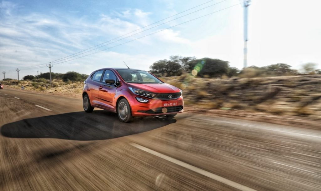 2020-tata-altroz-xz-red-color-india-pictures-photos-images-snaps-gallery