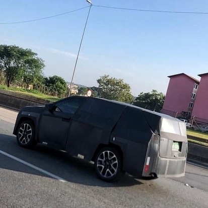7-seater-jeep-premium-suv-india-spied-first-time