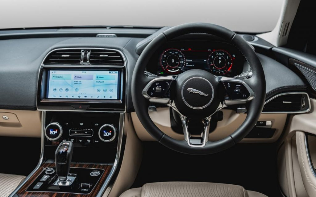 new-jaguar-xe-facelift-interior-dashboard-cabin-inside-india-pictures-photos-images-snaps-gallery