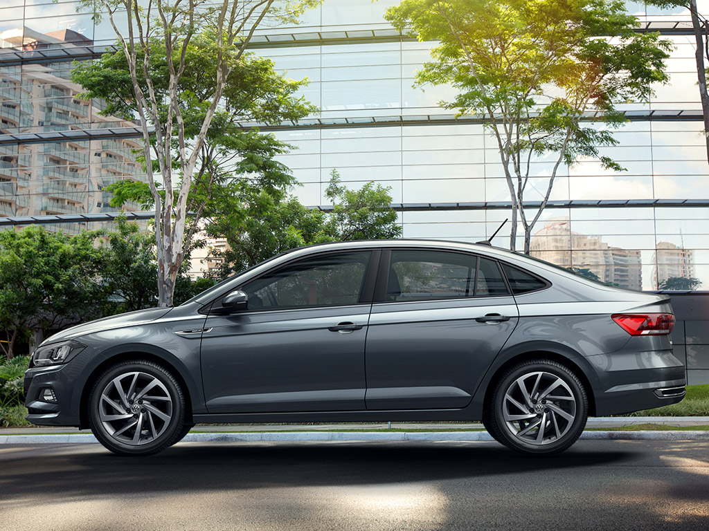 2020-volkswagen-vento-new-gen-vw-virtus-side-profile-indian-auto-expo-pictures-photos-images-snaps-gallery