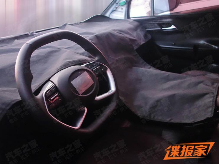 new-hyundai-carnival-mpv-dashboard-interior-spied-india-pictures-photos-images-snaps-gallery