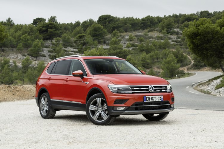 vw-tiguan-allspace-auto-expo-2020-model-india-pictures-photos-images-snaps-gallery
